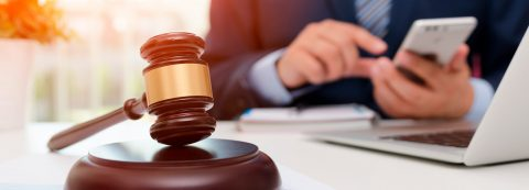 Advantages of Hiring Local Company Lawyers to Deal With Legal Matters in Saskatoon